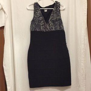 Dots sleeveless Black and Cheetah print dress 9/10